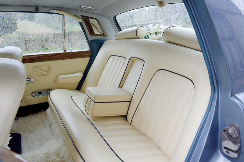 Rolls-Royce-Cream-Interior Peak Wedding